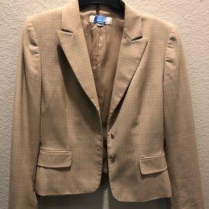 Sz 10 Tahari Skirt Suit